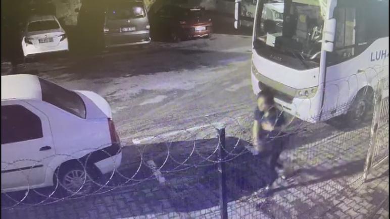 بالفيديو: أم ترمي بطفلها في حاوية قمامة بولاية إسطنبول