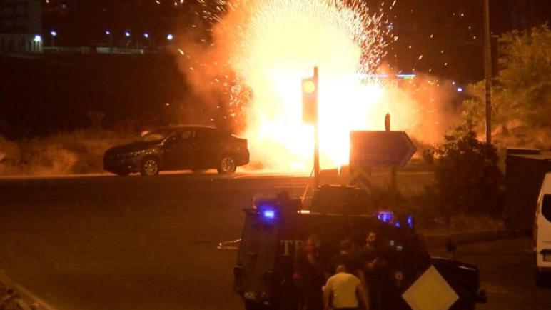 السلطات الأمنية تنقذ ديار بكر من تفجير حقيبة مفخخة